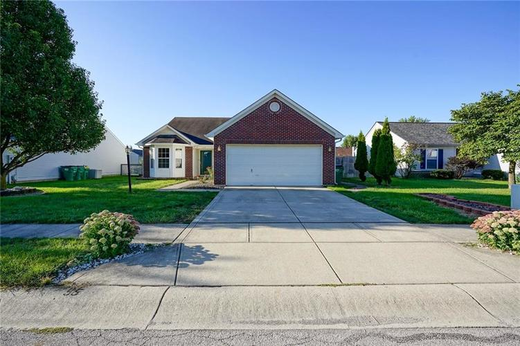139 E Flat Rock Drive Westfield, IN 46074 | MLS 21665138