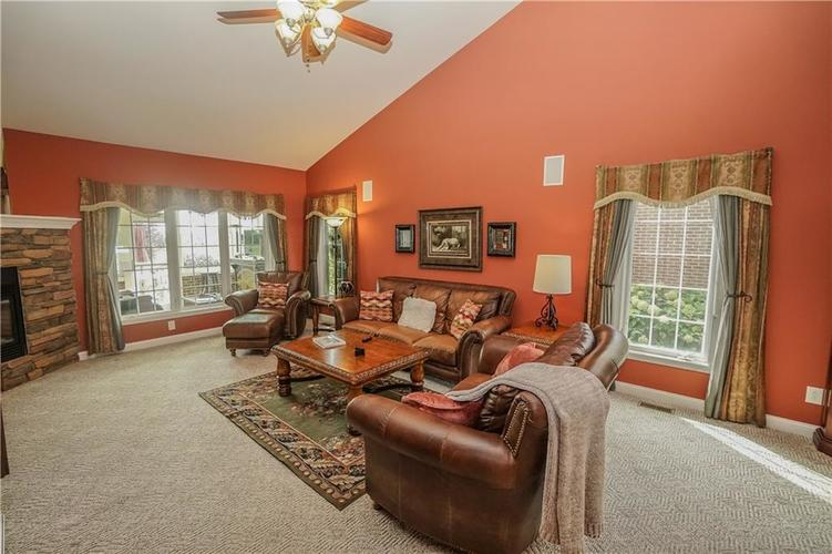 2263 Somerset Drive Franklin, IN 46131 | MLS 21665157 | photo 11