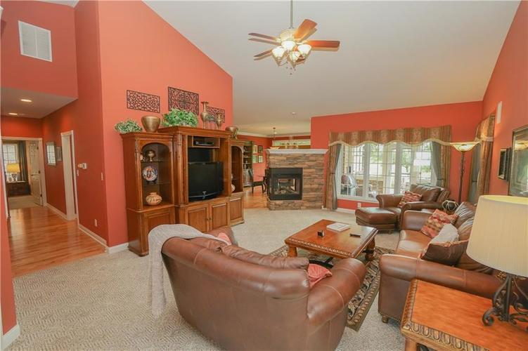 2263 Somerset Drive Franklin, IN 46131 | MLS 21665157 | photo 12