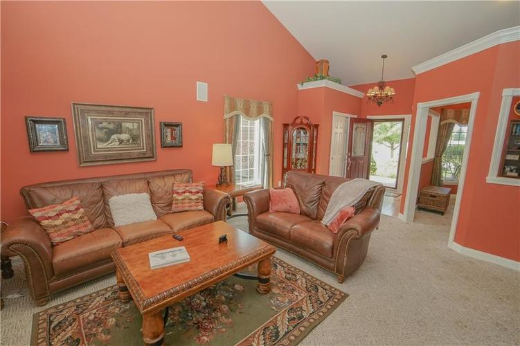 2263 Somerset Drive Franklin, IN 46131 | MLS 21665157 | photo 13