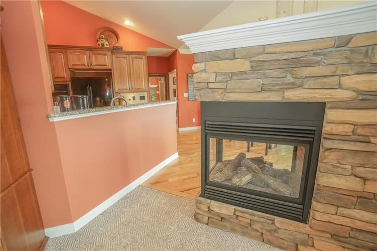 2263 Somerset Drive Franklin, IN 46131 | MLS 21665157 | photo 14