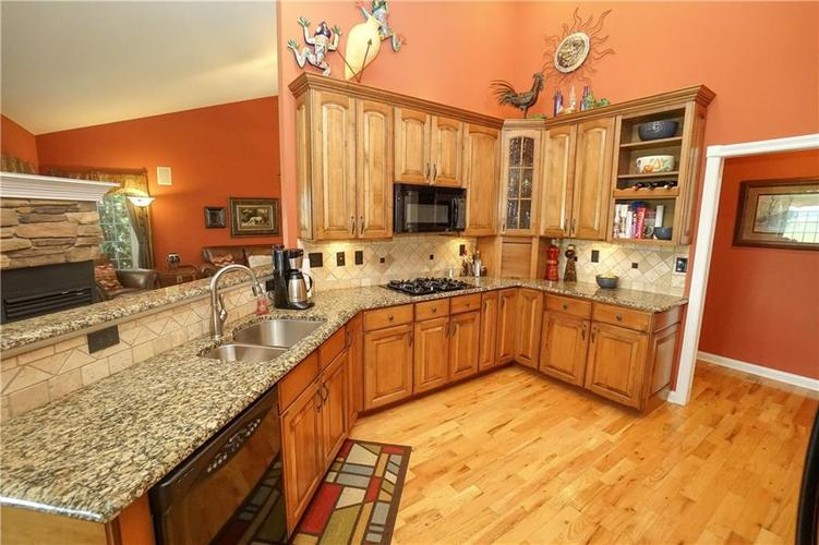 2263 Somerset Drive Franklin, IN 46131 | MLS 21665157 | photo 17