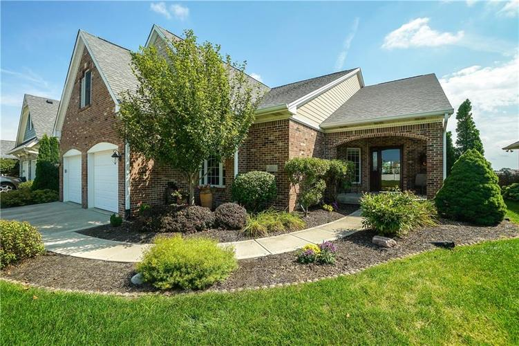 2263 Somerset Drive Franklin, IN 46131 | MLS 21665157 | photo 2