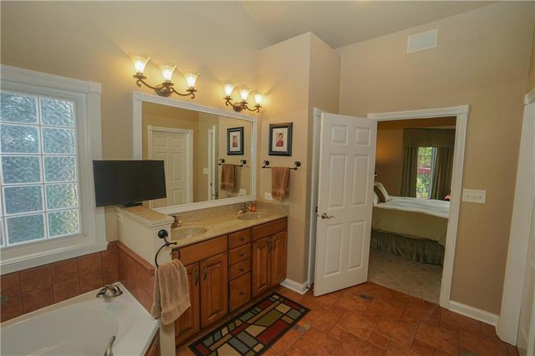 2263 Somerset Drive Franklin, IN 46131 | MLS 21665157 | photo 28