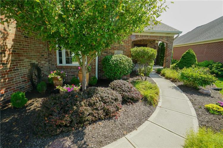 2263 Somerset Drive Franklin, IN 46131 | MLS 21665157 | photo 7