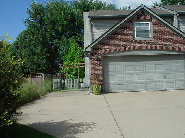 111 Oakview Drive Mooresville, IN 46158 | MLS 21665160 | photo 2