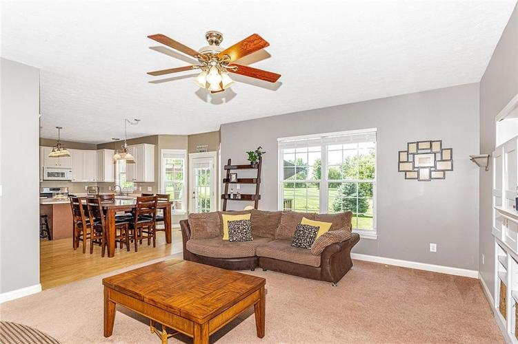 6558 Yorkshire Circle Zionsville, IN 46077 | MLS 21665168 | photo 13