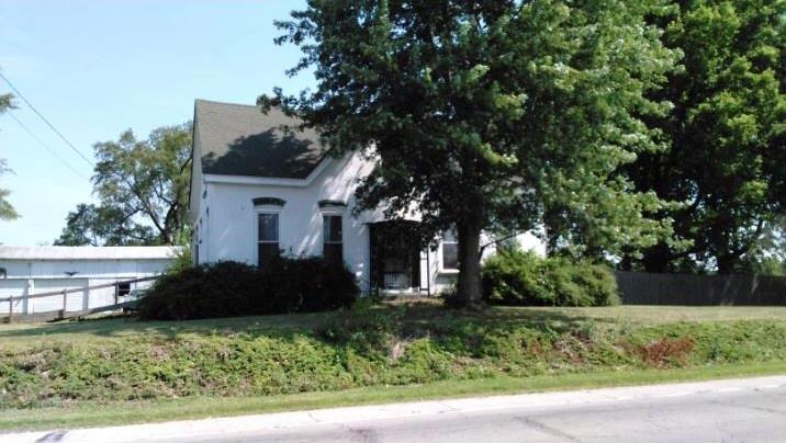 4474 W State Road 32 Anderson, IN 46011 | MLS 21665196 | photo 1