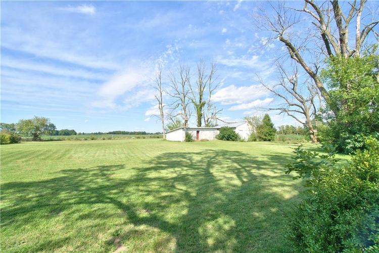 4474 W State Road 32 Anderson, IN 46011 | MLS 21665196 | photo 2