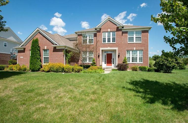 8900  Spring Violet Place Zionsville, IN 46077 | MLS 21665232