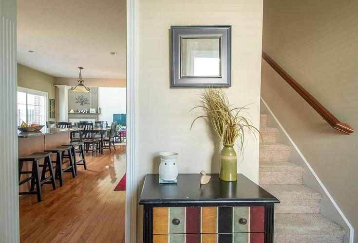 8900 Spring Violet Place Zionsville, IN 46077 | MLS 21665232 | photo 17