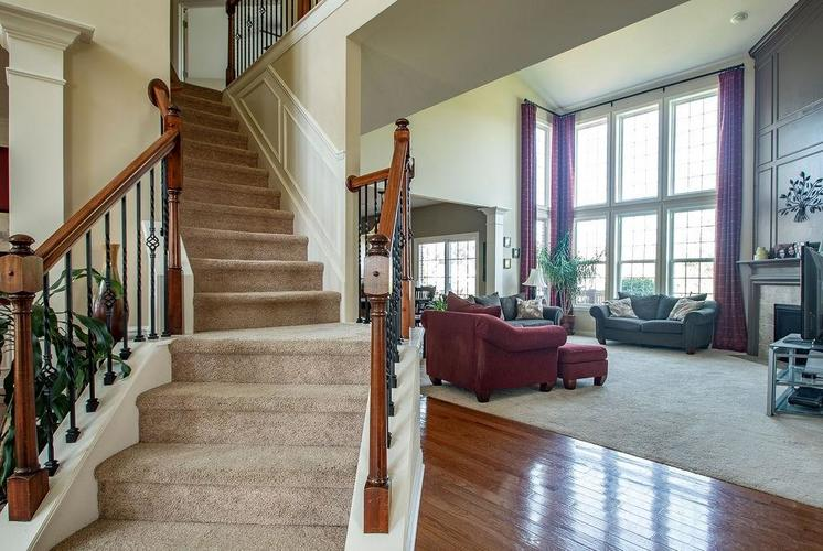 8900 Spring Violet Place Zionsville, IN 46077 | MLS 21665232 | photo 18