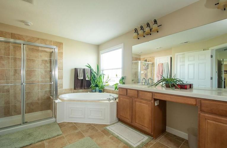 8900 Spring Violet Place Zionsville, IN 46077 | MLS 21665232 | photo 20