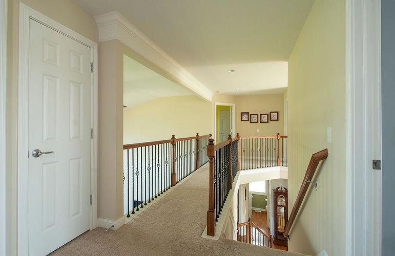 8900 Spring Violet Place Zionsville, IN 46077 | MLS 21665232 | photo 23