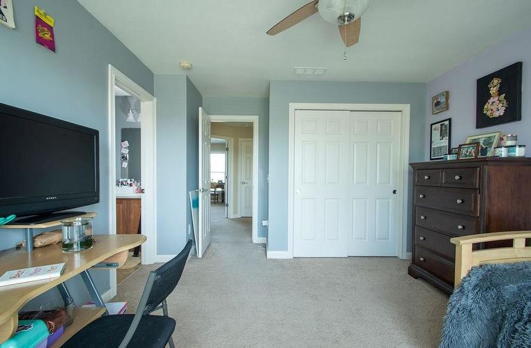 8900 Spring Violet Place Zionsville, IN 46077 | MLS 21665232 | photo 28