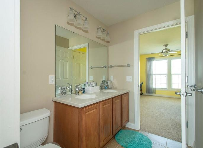 8900 Spring Violet Place Zionsville, IN 46077 | MLS 21665232 | photo 29