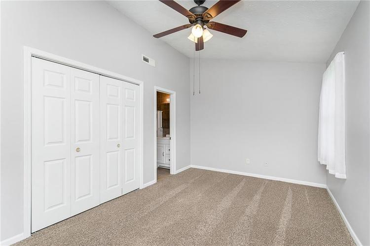 6006 SOUTHBAY Drive Indianapolis, IN 46250 | MLS 21665236 | photo 13