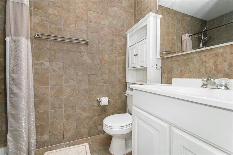 6006 SOUTHBAY Drive Indianapolis, IN 46250 | MLS 21665236 | photo 15