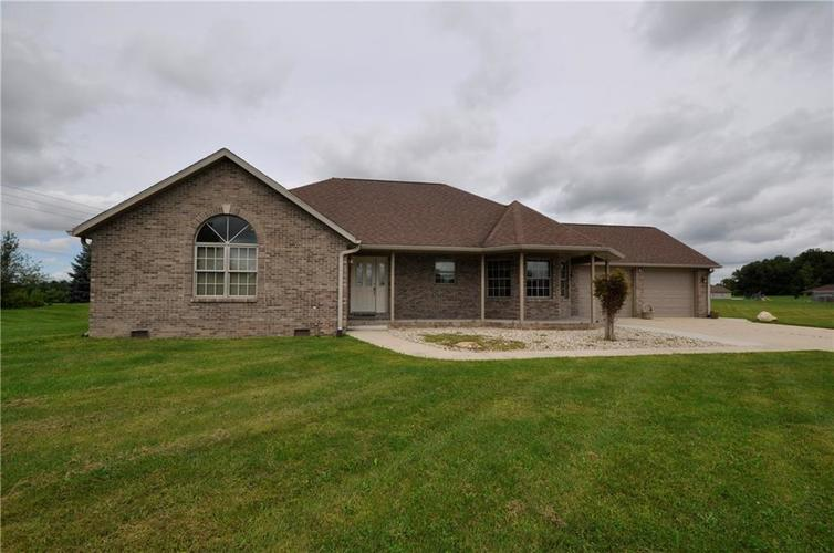 3300 E Indian Hill Drive Muncie, IN 47302 | MLS 21665244