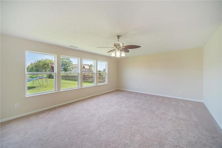 3671 Pickwick Circle Plainfield, IN 46168 | MLS 21665261 | photo 12