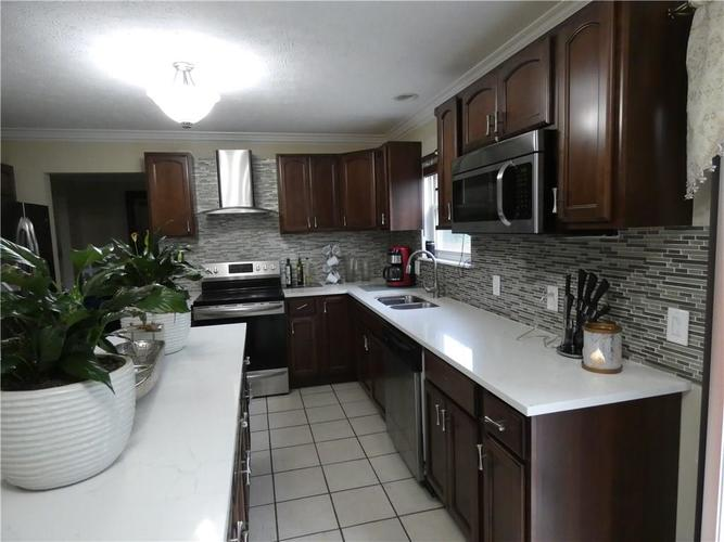 7841 INISHMORE Way Indianapolis IN 46214   MLS 21665269   photo 9