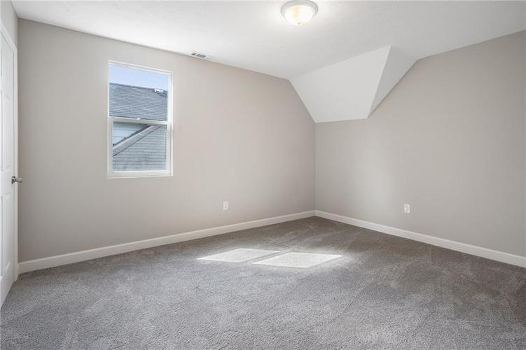 1051 W 34th Street Indianapolis, IN 46208 | MLS 21665286 | photo 13