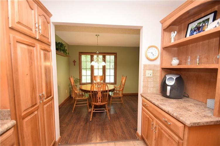206 Circle Drive New Market, IN 47965 | MLS 21665294 | photo 11