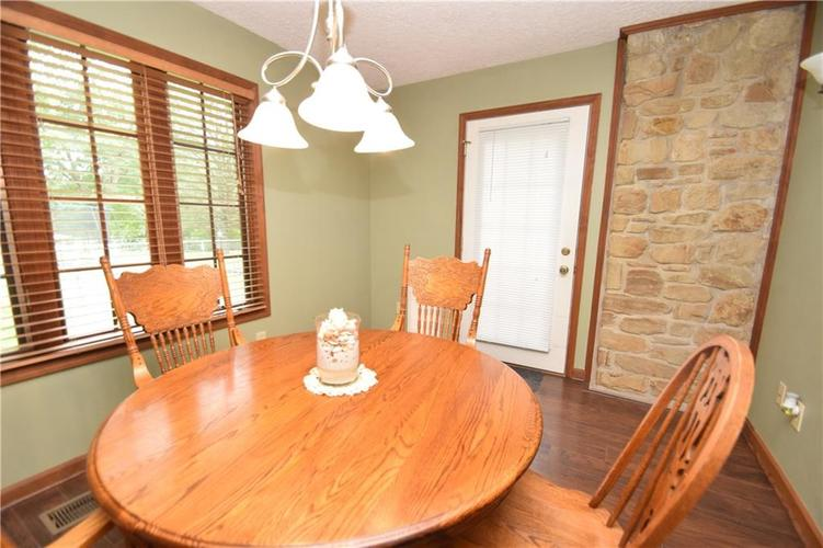 206 Circle Drive New Market, IN 47965 | MLS 21665294 | photo 12