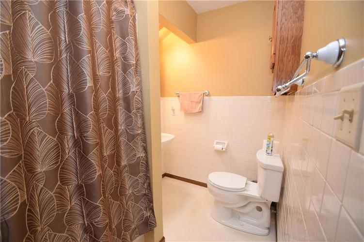 206 Circle Drive New Market, IN 47965 | MLS 21665294 | photo 17