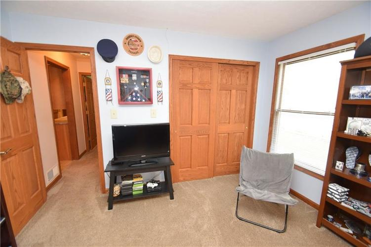 206 Circle Drive New Market, IN 47965 | MLS 21665294 | photo 22