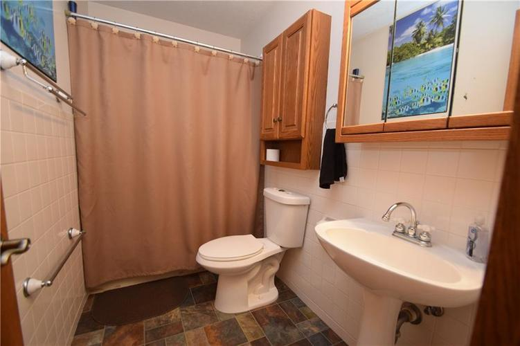 206 Circle Drive New Market, IN 47965 | MLS 21665294 | photo 23