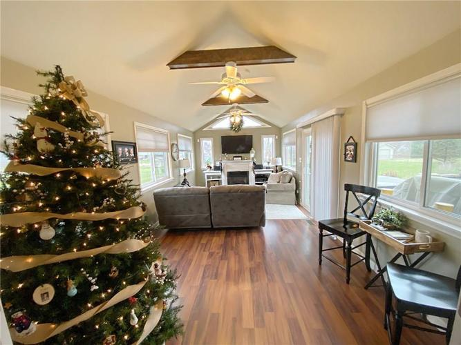 868 W MICHAELS Court Fountaintown, IN 46130   MLS 21665322   photo 10