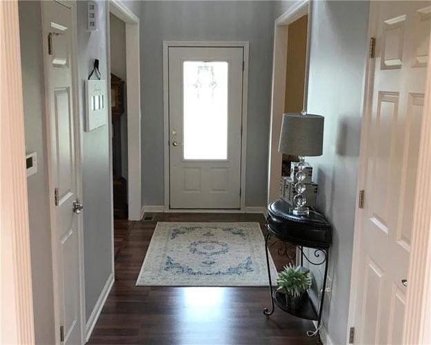 868 W MICHAELS Court Fountaintown, IN 46130   MLS 21665322   photo 12