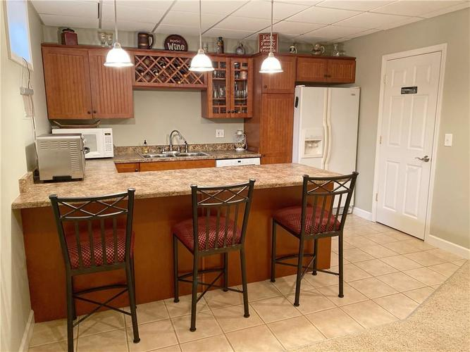 868 W MICHAELS Court Fountaintown, IN 46130   MLS 21665322   photo 15