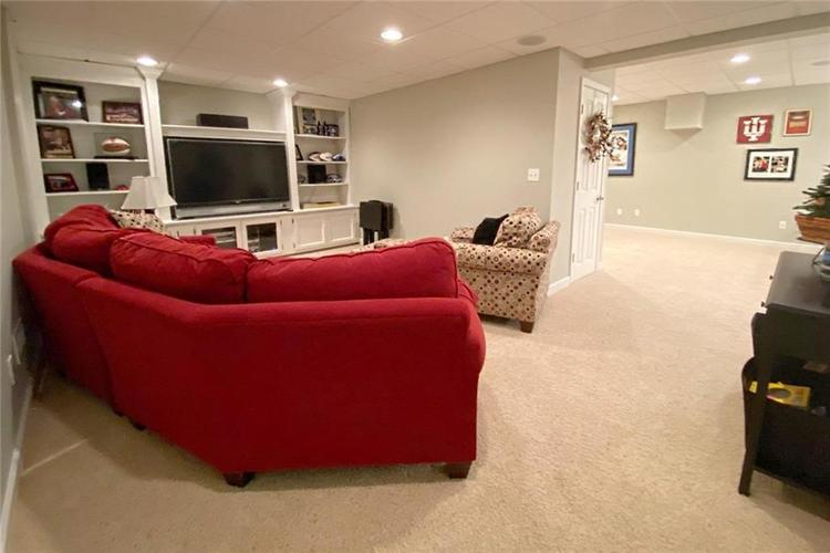 868 W MICHAELS Court Fountaintown, IN 46130   MLS 21665322   photo 17
