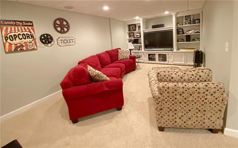 868 W MICHAELS Court Fountaintown, IN 46130   MLS 21665322   photo 18