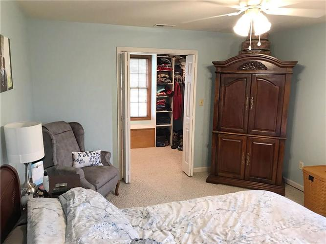 868 W MICHAELS Court Fountaintown, IN 46130   MLS 21665322   photo 21