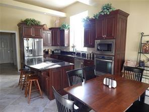 8244 Twin Pointe Circle Indianapolis, IN 46236 | MLS 21665441 | photo 10