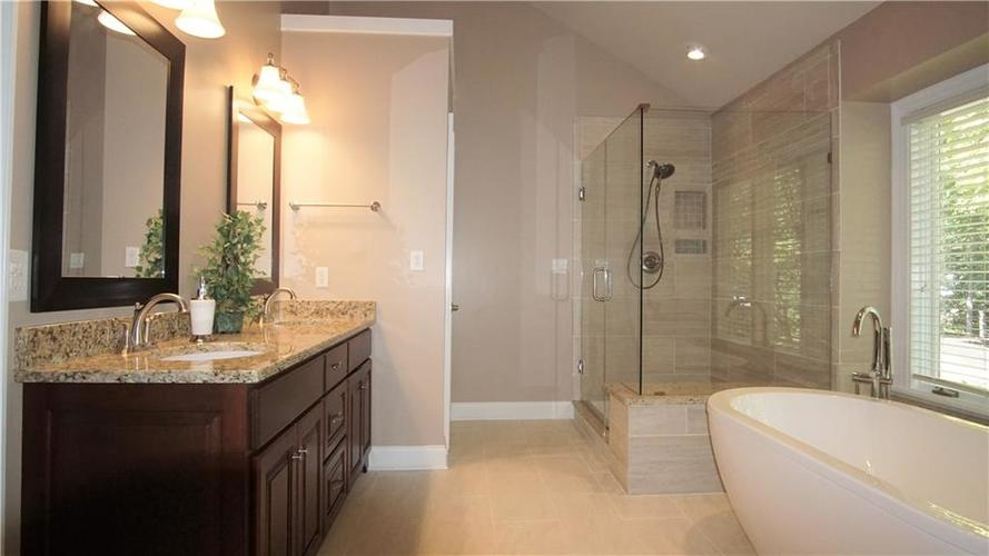 8244 Twin Pointe Circle Indianapolis, IN 46236 | MLS 21665441 | photo 18