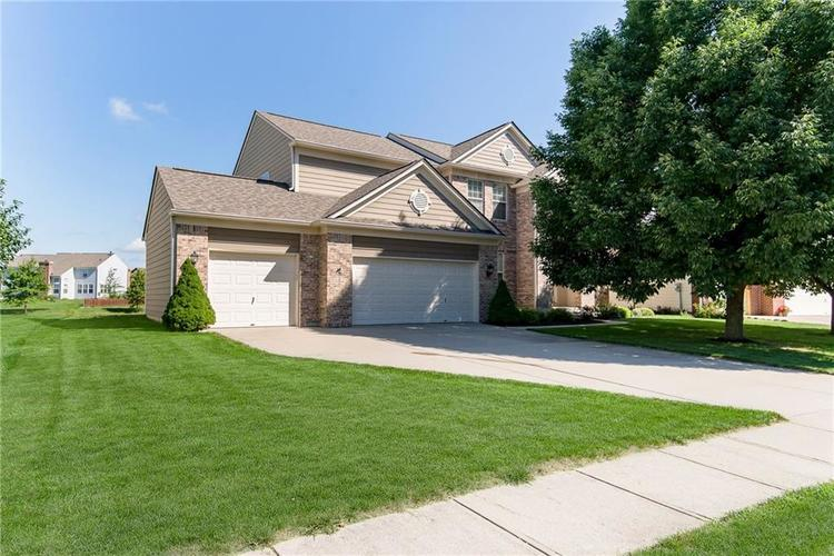 2218 Mustang Chase Drive Carmel, IN 46074 | MLS 21665486 | photo 2