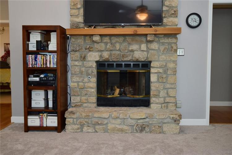 679 REDFOX Court S Greenwood, IN 46142 | MLS 21665493 | photo 13