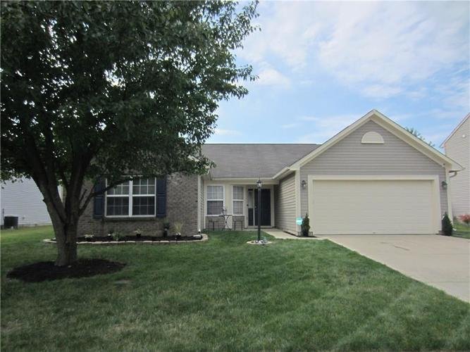 11605 STOEPPELWERTH Drive Indianapolis IN 46229 | MLS 21665594 | photo 1