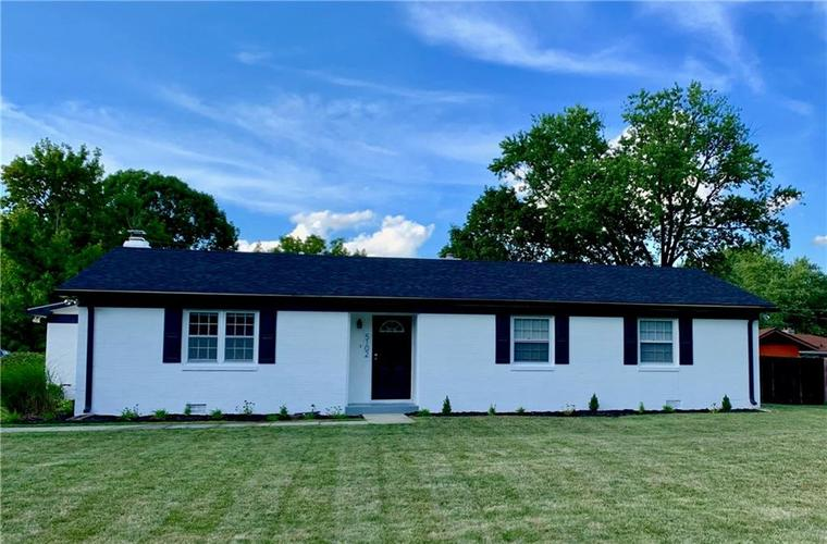 5102  DICKSON Road Indianapolis, IN 46226 | MLS 21665615