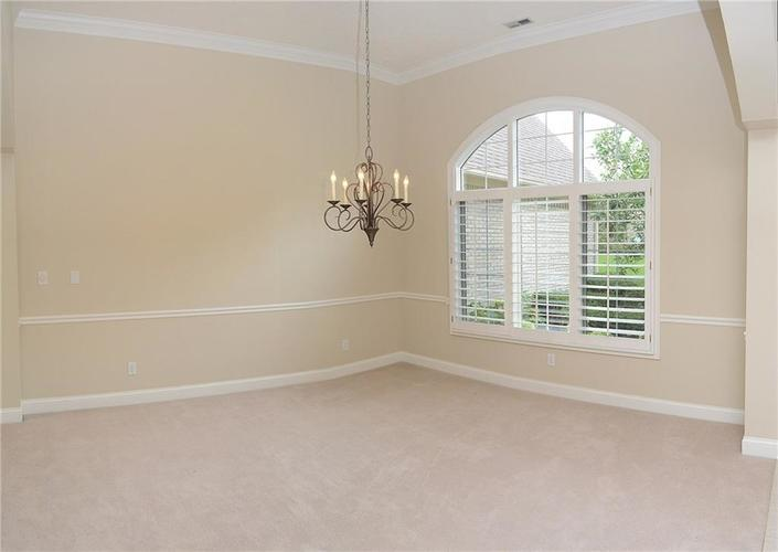 8951 Summer Estate Drive Indianapolis, IN 46256 | MLS 21665770 | photo 14