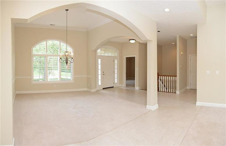 8951 Summer Estate Drive Indianapolis, IN 46256 | MLS 21665770 | photo 15