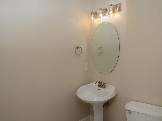 8951 Summer Estate Drive Indianapolis, IN 46256 | MLS 21665770 | photo 22
