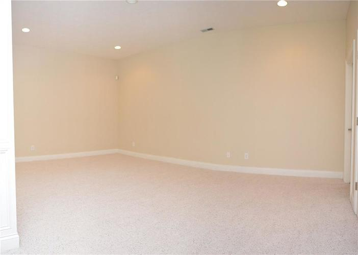 8951 Summer Estate Drive Indianapolis, IN 46256 | MLS 21665770 | photo 29