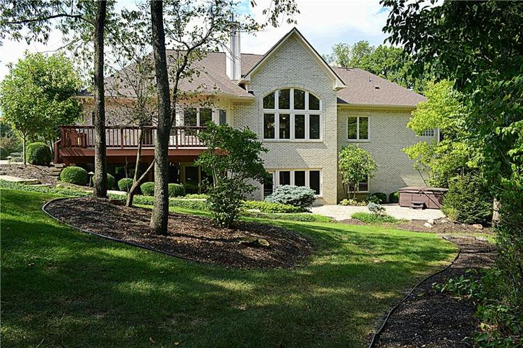 8951 Summer Estate Drive Indianapolis, IN 46256 | MLS 21665770 | photo 3