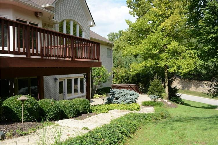 8951 Summer Estate Drive Indianapolis, IN 46256 | MLS 21665770 | photo 35