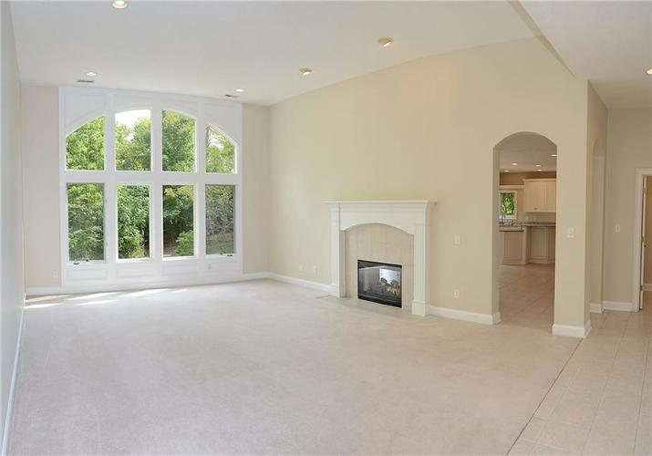 8951 Summer Estate Drive Indianapolis, IN 46256 | MLS 21665770 | photo 4